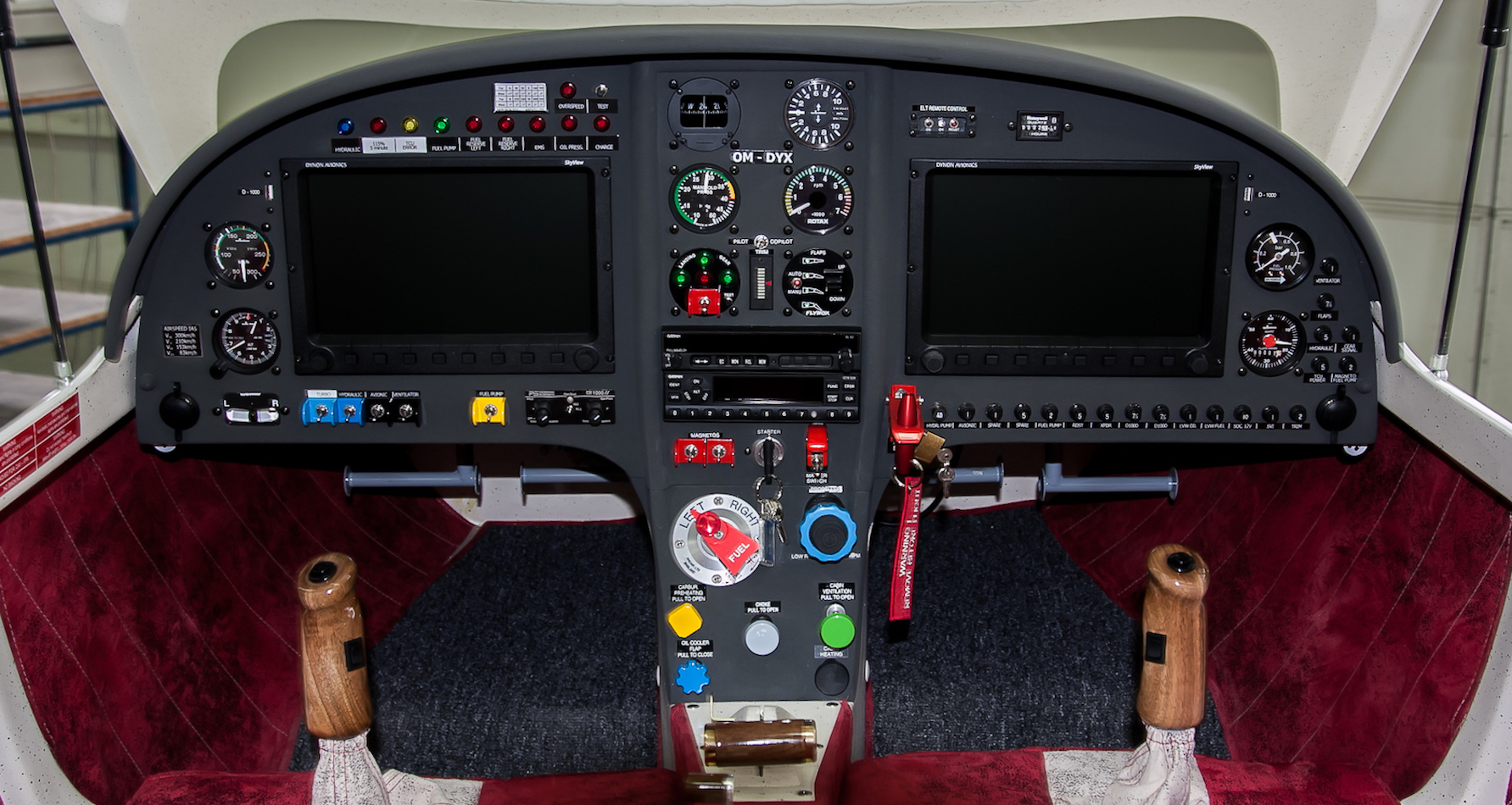 Advantic WT10 Cockpit